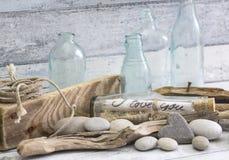 Θαλάσσιο ακόμα μήνυμα μπουκαλιών ζωής στοκ φωτογραφίες με δικαίωμα ελεύθερης χρήσης