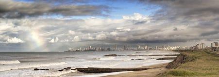 Θαλάσσιο ουράνιο τόξο τοπίων το Μάρτιο del Plata Αργεντινή στην ακτή στοκ εικόνα