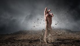 Θαμμένος ζωντανός αλλά μην σπασμένος στοκ εικόνα με δικαίωμα ελεύθερης χρήσης