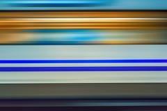 Θαμπάδα κινήσεων του τραίνου υψηλής ταχύτητας στον υπόγειο στοκ εικόνες