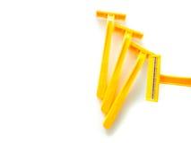 Θαμπάδα, κίτρινο ξυράφι, κίτρινο ξύρισμα στο άσπρο υπόβαθρο Στοκ εικόνες με δικαίωμα ελεύθερης χρήσης