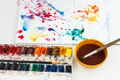 Θαμπάδες Watercolors σε ένα σημειωματάριο στοκ φωτογραφία