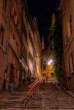Θαυμάσια άποψη σχετικά με το δρόμο Garillon ` s στην παλαιά Λυών, με τον τρόπο σε Fourvière στοκ φωτογραφία