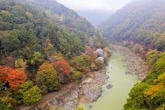 Θαυμάσια άποψη, χρώμα πτώσης σε Arashiyama, Ιαπωνία το φθινόπωρο Στοκ Φωτογραφίες
