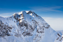 Θαυμάσια μέγιστη άποψη βουνών Καύκασου Στοκ Εικόνες
