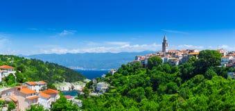 Θαυμάσια ρομαντική παλαιά πόλη στην αδριατική θάλασσα Vrbnik Νησί Krk Στοκ Φωτογραφία