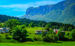 Θαυμάσια χρώματα επαρχίας της Νορβηγίας στοκ εικόνες