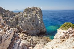 Θαυμάσιες απόψεις της ελληνικής ακτής στοκ εικόνες