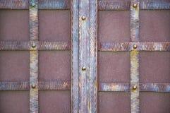 Θαυμάσιες πύλες επεξεργασμένος-σιδήρου, διακοσμητικό σφυρηλατημένο κομμάτι, σφυρηλατημένη κινηματογράφηση σε πρώτο πλάνο στοιχείω Στοκ Φωτογραφία