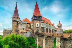 Θαυμάσιο διάσημο ιστορικό κάστρο Corvin σε Hunedoara, Τρανσυλβανία, Ρουμανία, Ευρώπη στοκ εικόνες