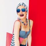 Θαλάσσια παραλιών κυρία διακοπών μόδας styleHappy Στοκ φωτογραφίες με δικαίωμα ελεύθερης χρήσης