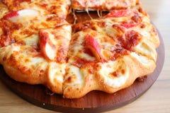 Θαλασσινά και τυρί πιτσών Στοκ Εικόνες