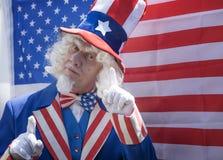 Θείος Σαμ με μια αμερικανική σημαία Στοκ Εικόνα
