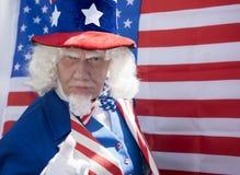 Θείος Σαμ με μια αμερικανική σημαία Στοκ εικόνα με δικαίωμα ελεύθερης χρήσης