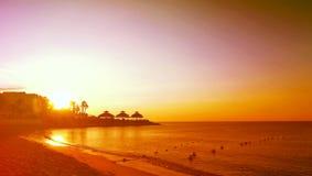 Θεαματική ανατολή στην Αφρική - στην παραλία της Τυνησίας στοκ εικόνα με δικαίωμα ελεύθερης χρήσης