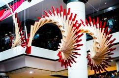 Θεαματική εγκατάσταση τέχνης αποκαλούμενη κύκλο τύχης Με βάση τα κινεζικά ραβδιά τύχης που συμβολίζει την αρμονία, ισορροπία Στοκ φωτογραφία με δικαίωμα ελεύθερης χρήσης
