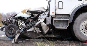 Θεαματικό τροχαίο ατύχημα απόθεμα βίντεο