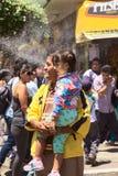Θεατές στην παρέλαση καρναβαλιού σε Banos, Ισημερινός Στοκ εικόνες με δικαίωμα ελεύθερης χρήσης