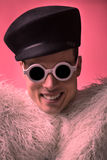 Θεατρικό ομοφυλόφιλο ομοφυλοφιλικό πορτρέτο, ζωηρόχρωμη επίδραση Στοκ φωτογραφία με δικαίωμα ελεύθερης χρήσης