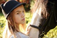 Θεραπεία με τα άλογα - θεραπεία hippo Στοκ φωτογραφία με δικαίωμα ελεύθερης χρήσης
