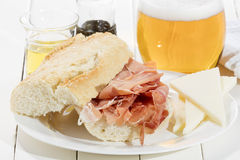 Θεραπευμένο σάντουιτς ζαμπόν Στοκ Εικόνες