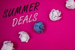 Θερινές διαπραγματεύσεις γραψίματος κειμένων γραφής Έννοια που σημαίνει τις ειδικές προσφορές πωλήσεων για τις εκπτώσεις τιμών τα Στοκ Εικόνα