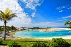 Θερινές διακοπές και διακοπές, παραλία ή κόλπος με την άσπρη άμμο Στοκ Εικόνες