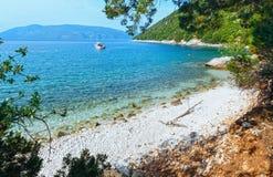 Θερινή άποψη της παραλίας Antisamos (Ελλάδα, Kefalonia) Στοκ φωτογραφία με δικαίωμα ελεύθερης χρήσης