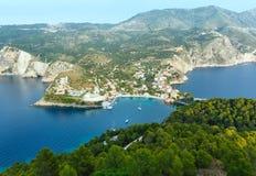 Θερινή άποψη της χερσονήσου Assos (Ελλάδα, Kefalonia) Στοκ φωτογραφίες με δικαίωμα ελεύθερης χρήσης