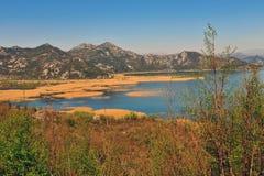 Θερινή άποψη του εθνικού πάρκου λιμνών Skadar Στοκ φωτογραφία με δικαίωμα ελεύθερης χρήσης