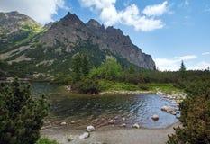 Θερινή άποψη Pleso Popradske (Σλοβακία). Στοκ φωτογραφία με δικαίωμα ελεύθερης χρήσης