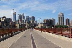 Θερινή ηλιόλουστη ημέρα στη Μινεάπολη, κράτος Μινεσότας, Midwest ΗΠΑ στοκ εικόνα με δικαίωμα ελεύθερης χρήσης
