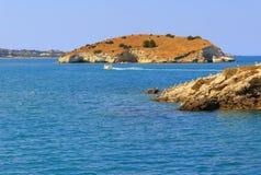 Θερινή θάλασσα Ακτή Gargano: κόλπος Vieste - (Apulia) ΙΤΑΛΙΑ Στοκ Εικόνες
