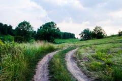 Θερινή λοφώδης έκταση στοκ φωτογραφίες με δικαίωμα ελεύθερης χρήσης