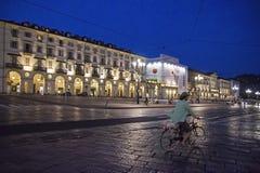 Θερινή νύχτα στην πόλη - πλατεία Vittorio Βένετο Στοκ Εικόνες