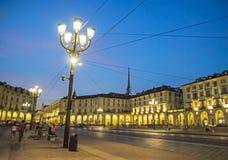 Θερινή νύχτα στην πόλη - πλατεία Vittorio Βένετο Στοκ φωτογραφία με δικαίωμα ελεύθερης χρήσης