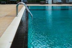 Θερινή πισίνα Στοκ φωτογραφία με δικαίωμα ελεύθερης χρήσης