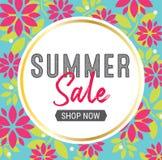 Θερινή πώληση γραφική με το floral υπόβαθρο Στοκ Εικόνες