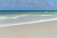 Θερινοί παραλία και ωκεανός Στοκ φωτογραφία με δικαίωμα ελεύθερης χρήσης