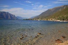 Θερινός ήλιος Garda Ιταλία λιμνών Στοκ Φωτογραφίες