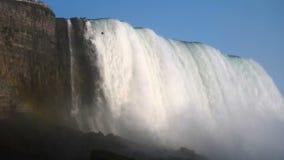 Θερινός χρόνος καταρρακτών του Νιαγάρα Ισχυρό ρεύμα νερού απόθεμα βίντεο