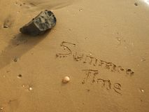 Θερινός χρόνος στην παραλία στοκ εικόνα
