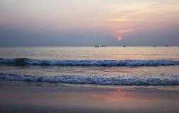 Θερινός χρόνος της όμορφης ανατολής στην παραλία Ταϊλάνδη Στοκ φωτογραφία με δικαίωμα ελεύθερης χρήσης