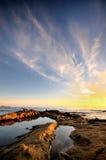 Θερινό ηλιοβασίλεμα με τα σύννεφα Στοκ φωτογραφία με δικαίωμα ελεύθερης χρήσης