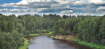 θερινό ηλιοβασίλεμα ποταμών τοπίων Στοκ εικόνες με δικαίωμα ελεύθερης χρήσης