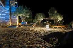 Θερινό θέρετρο πολυτέλειας τη νύχτα στοκ εικόνες με δικαίωμα ελεύθερης χρήσης