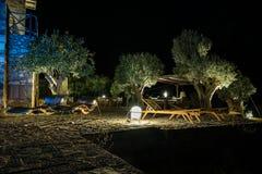 Θερινό θέρετρο πολυτέλειας τη νύχτα στοκ φωτογραφία με δικαίωμα ελεύθερης χρήσης