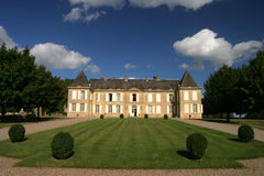 Θερινό κτήριο της Γαλλίας Château Στοκ φωτογραφία με δικαίωμα ελεύθερης χρήσης