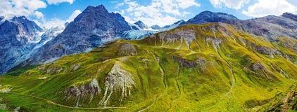 Βουνά Άλπεων στοκ φωτογραφίες