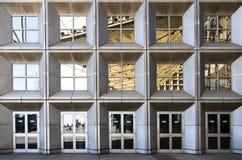 θερινό παράθυρο αντανάκλασης γραφείων οικοδόμησης astana του 2010 Στοκ εικόνα με δικαίωμα ελεύθερης χρήσης